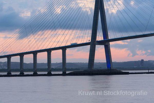 pont-de-normandie-012D477E54-1071-E387-659F-D6FC4FCAF759.jpg