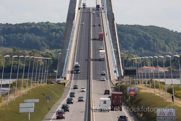 pont-de-normandie-06E4623430-48EB-20B4-0175-3CEBACAA54BC.jpg