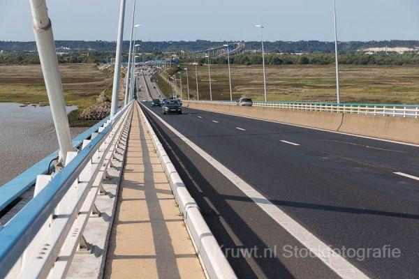 pont-de-normandie-07DCADE1E9-0CF3-DCDA-E783-1349BDE930FC.jpg
